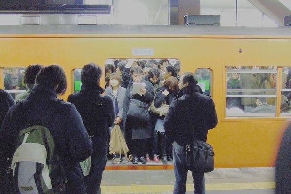 翻攝 @ paranoidnotandroid 日本電車